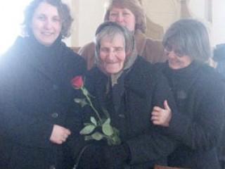 S. Irena Kardis (pośrodku), jedyna z sióstr, wywiezionych na Syberię, która powróciła na Wileńszczyznę, fot. tygodnik.lt